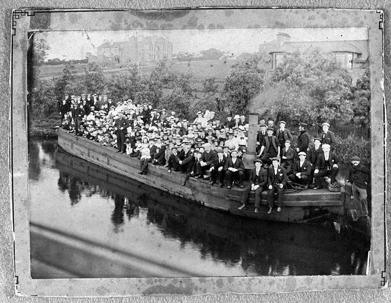 A Sunday School outing on a Summerlee Iron Company barge on the Monkland Canal.