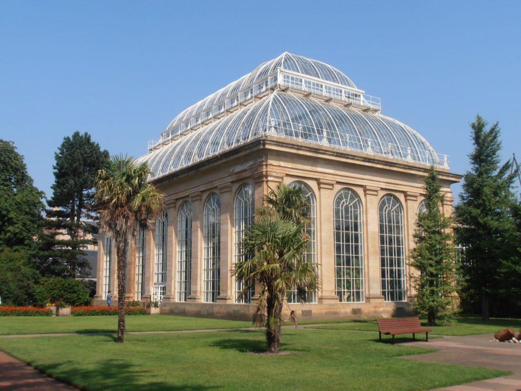 The Palm House at Edinburgh's Royal Botanic Gardens, 1856-8 used ironwork supplied by the Shotts Iron Co. (image: Wikimedia Commons (c)Ham)